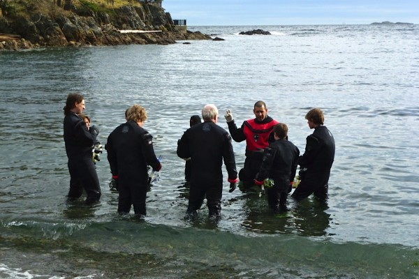 Open Water Course Skills Briefing Picture | Scuba Diving Classes Nanaimo BC